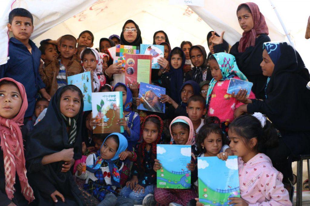 برگزاری اردوی جهادی در شهرستان جیرفت در قالب کاروان مهربانی توسط موسسه دارالاکرام